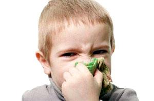 Как научить малыша высмаркиваться