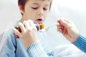 Кашель с мокротой без температуры: причины и лечение