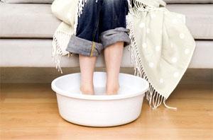 Парить ноги при простуде