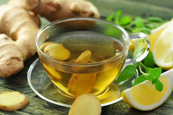Чай с имбирем и орешками